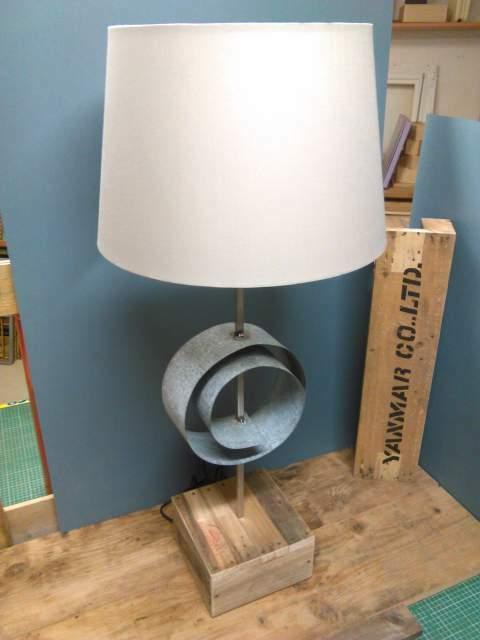 Lampada da tavolo Design Industriale