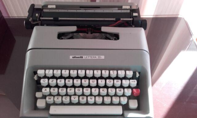 """Macchina da scrivere Olivetti Lettera """" 35"""""""