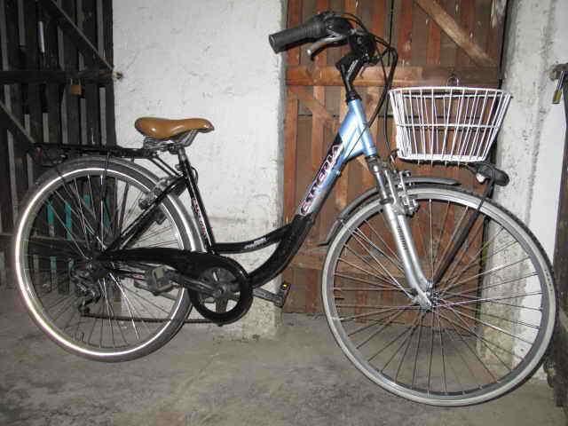 Bicicletta da donna 28 con cambio cestino
