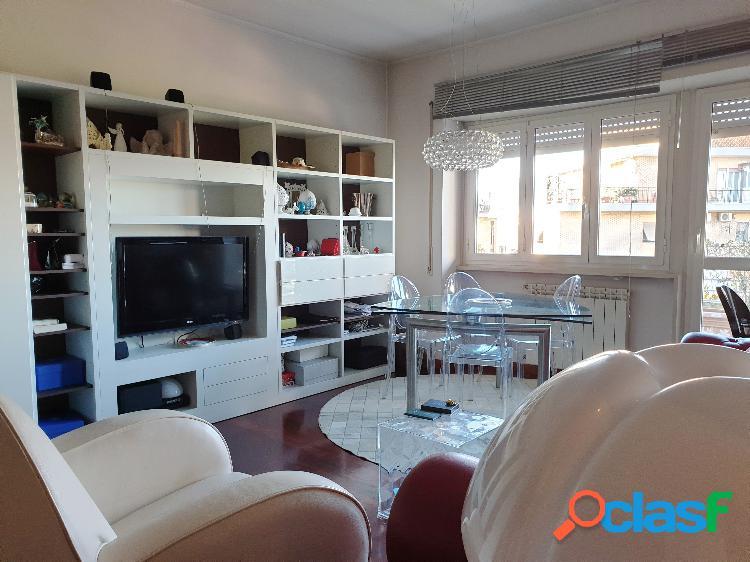 Collinetta Boccea- appartamento con terrazzo E245000