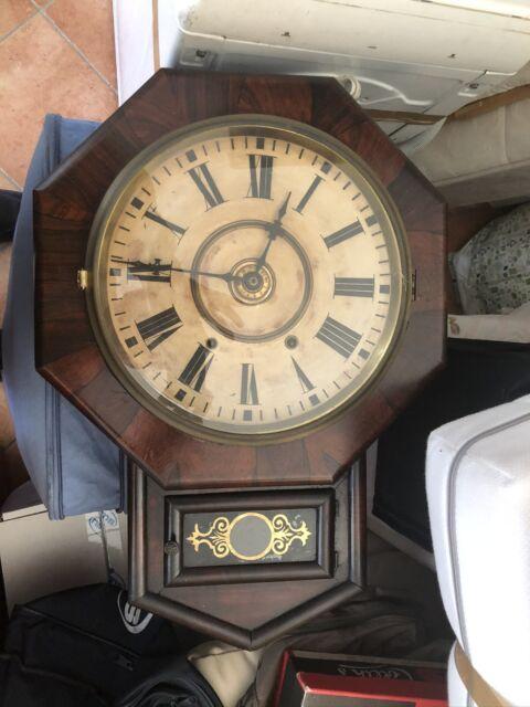 Vendo antico orologio a pendolo