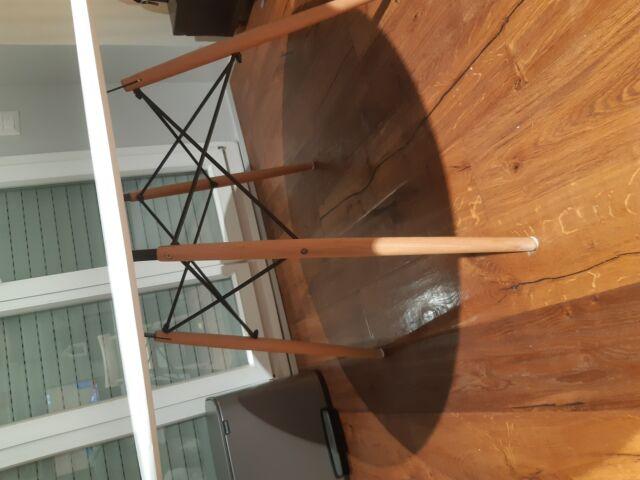 Vendo tavolo da pranzo laccato bianco in legno 120cm