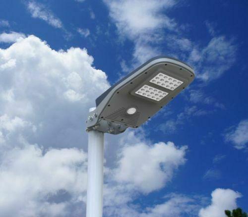 Lampione led da esterno ad energia solare con telecomando