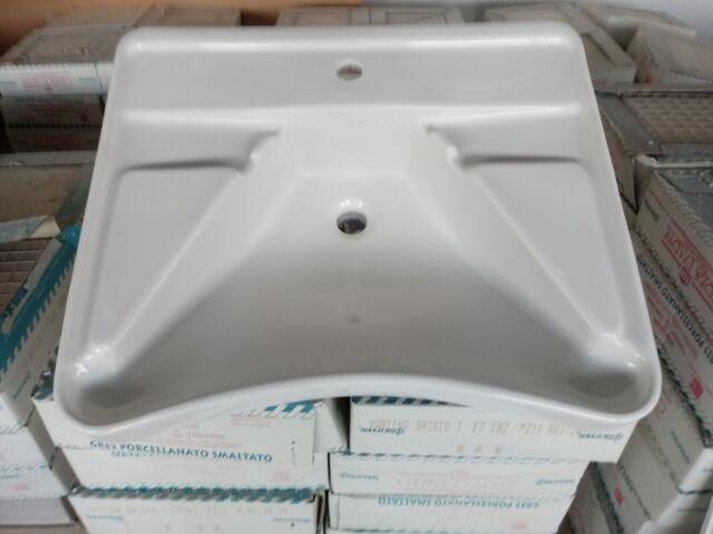Lavabo - vaso wc - per disabili o anziani
