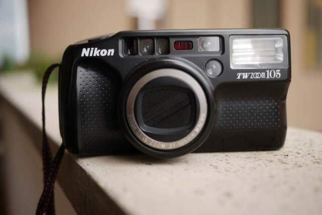 Macchina fotografica Nikon TW ZOOM 105