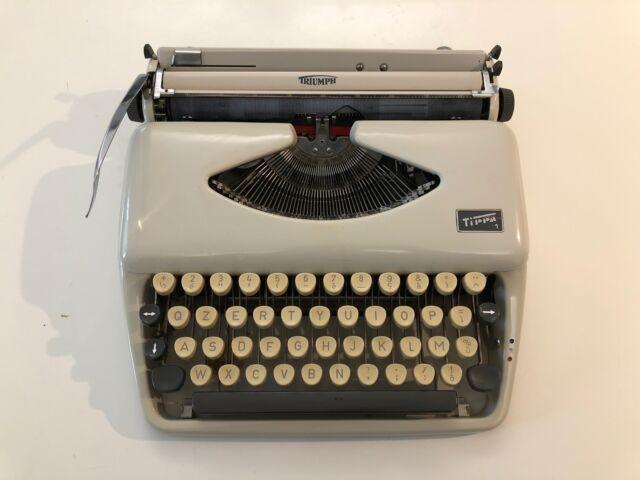 Vendo macchina da scrivere vintage TRIUMP TIPPA 1