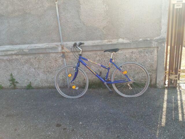 Mountain bike misura 26 completa di accessori