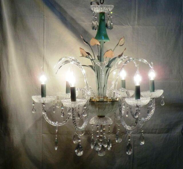 Lampadario a 6 luci in vetro di Murano e foglie metalliche.