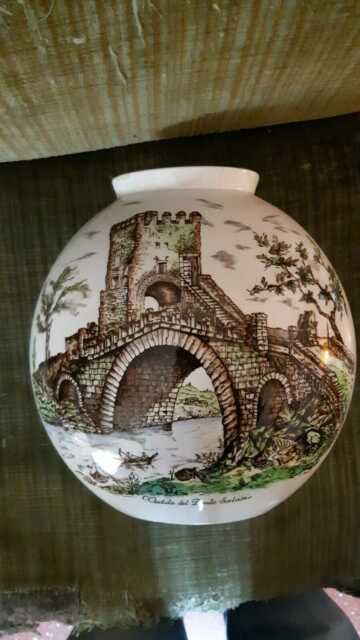 Vaso in ceramica firmato lavenia