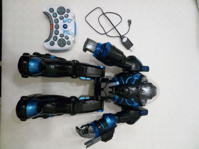 Robot giocattolo telecomandato