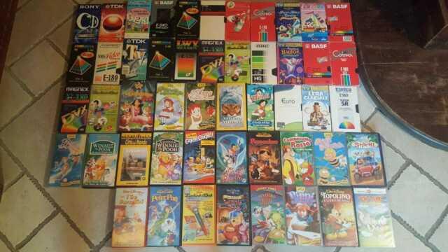 Videocassette VHS con cartoni animati