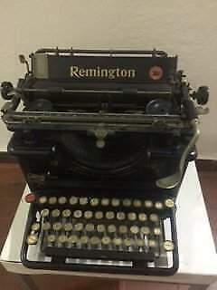 Macchina da scrivere vintage Remington 12