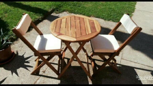Set tavolino con 2 sedie
