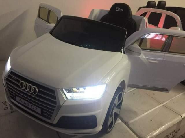 Auto macchina elettrica Q7 bianco