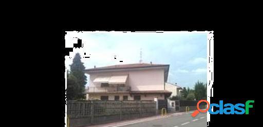App. in Villa in Via E. Fermi 3, Lazzate