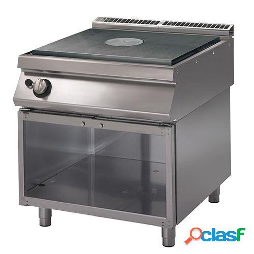 Cucina tuttapiastra a gas su armadio aperto, profondità 900