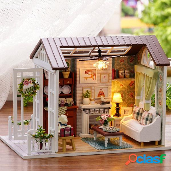 DIY miniatura di casa bambola in legno