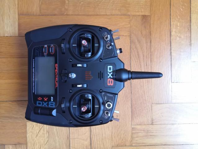 Radiocomando Spektrum DX8 con pellicole