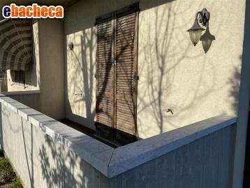 Villa con box a…