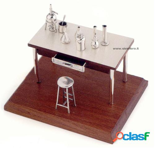 tavolo biologo-chimico in argento 925/000 e legno