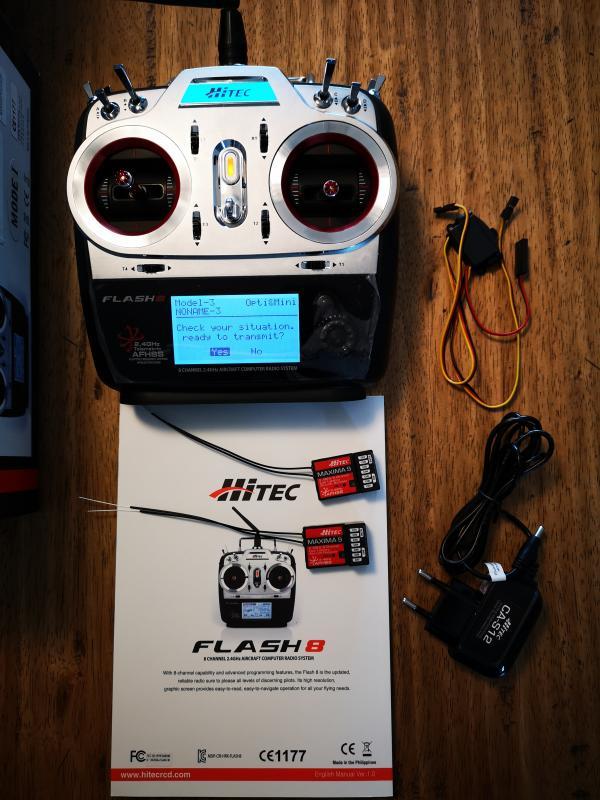 Hitec Flash 8 con 2 riceventi NUOVA