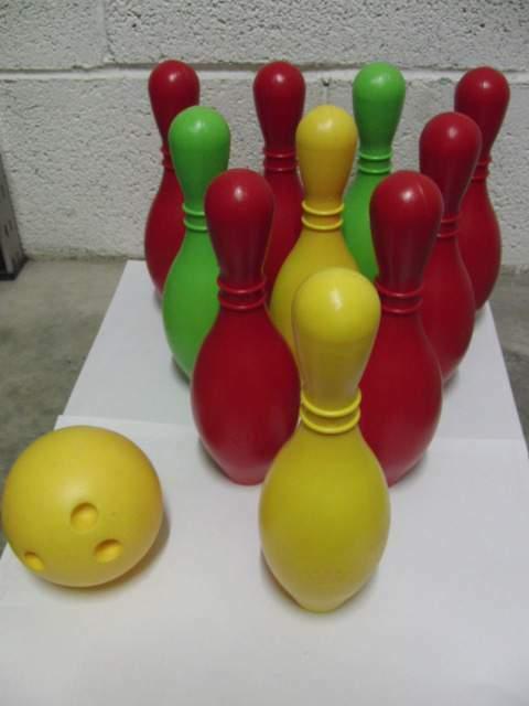 Gioco da bowling per bambini con 10 birilli