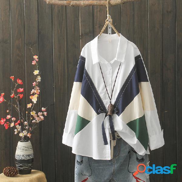 Camicia bianca design letterario impatto colore autunno