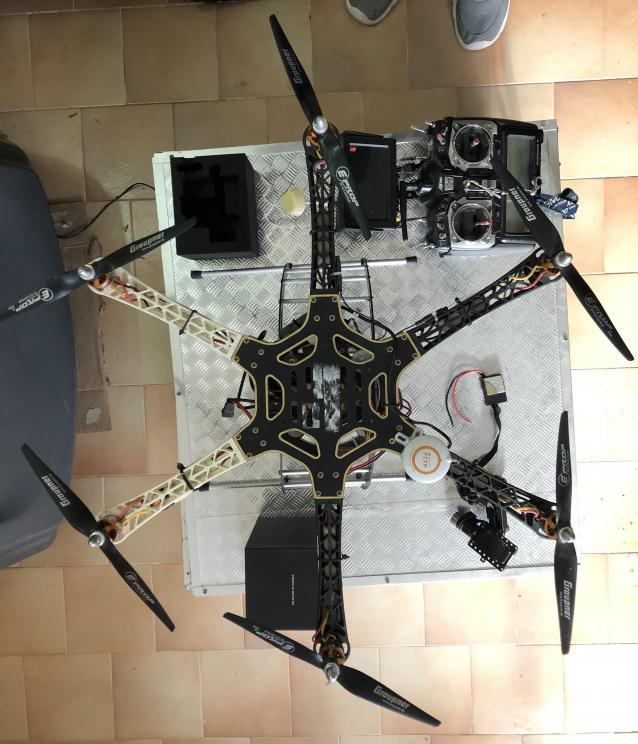 Drone esacottero F550 - Hitec Aurora 9 + naza v2