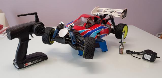 Buggy VRX racing VRX-2 con motore a scoppio 1/8 usato ed in