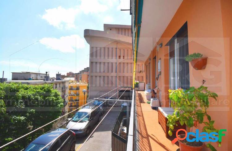 Appartamento in vendita Genova con terrazzo