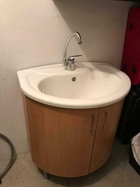 Bagno con lavella usato