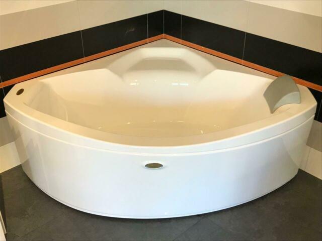 Nuova JACUZZI Vasca da bagno mod. UMA 145cm x 145cm
