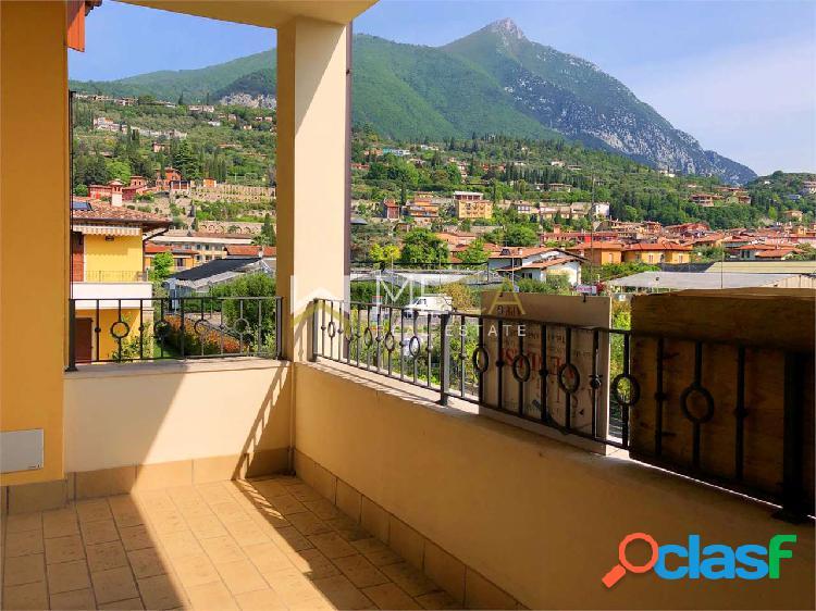 Maderno, appartamento 200 metri dal lago con box