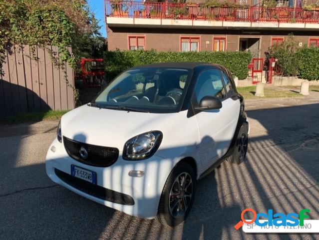 SMART Fortwo 3ªs. benzina in vendita a Milano (Milano)