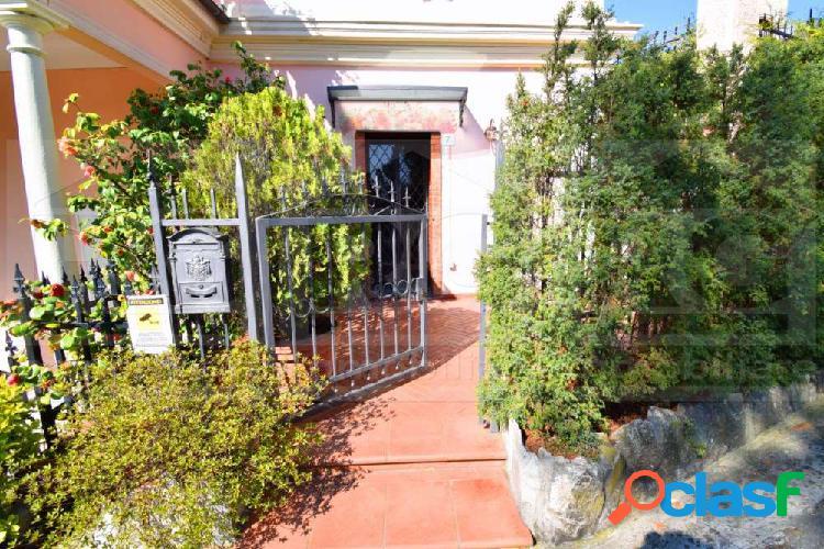Genova Righi appartamento in vendita con giardino