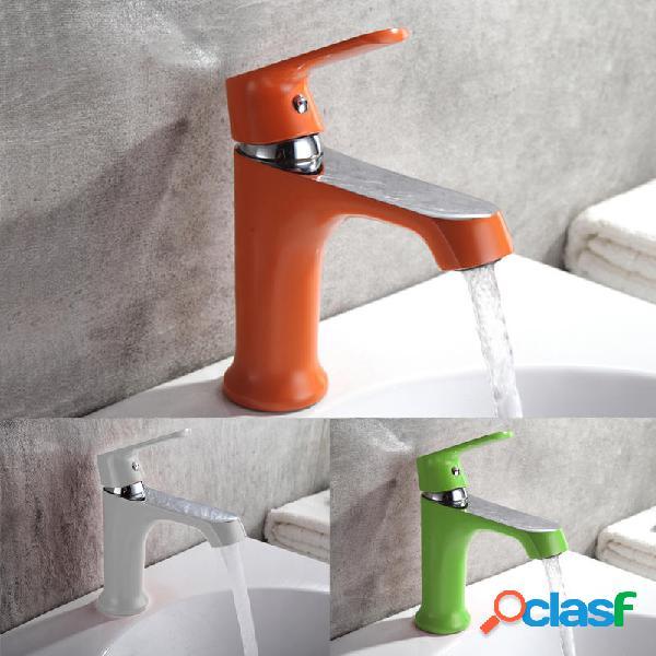 Rubinetto per vasca da bagno multicolore per uso domestico