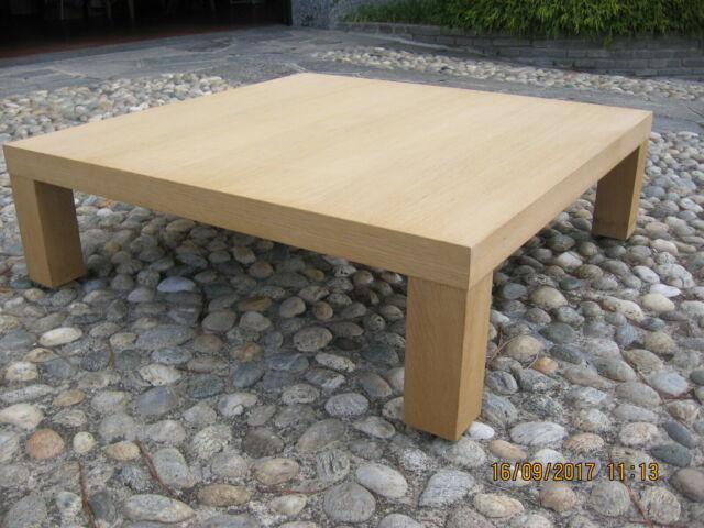 Tavolino da salotto in legno di rovere al grezzo.