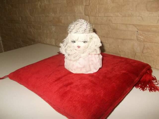 Bambolina in porcellana giapponese