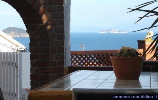 Elba Appartamento con giardino vista mare e patio Rio Marina