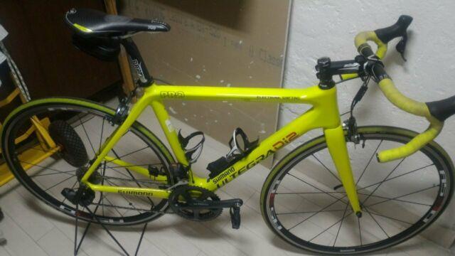 Vendo bici da corsa in carbonio cambio elettronico vero