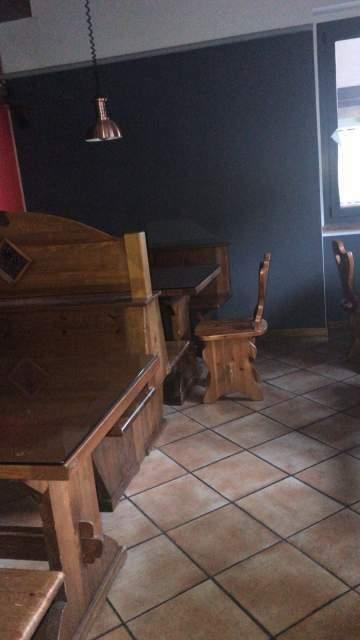 Tavoli in legno massello per birreria pub
