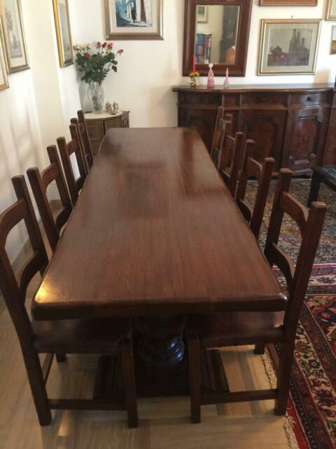 Tavolo con 8 sedie e credenza