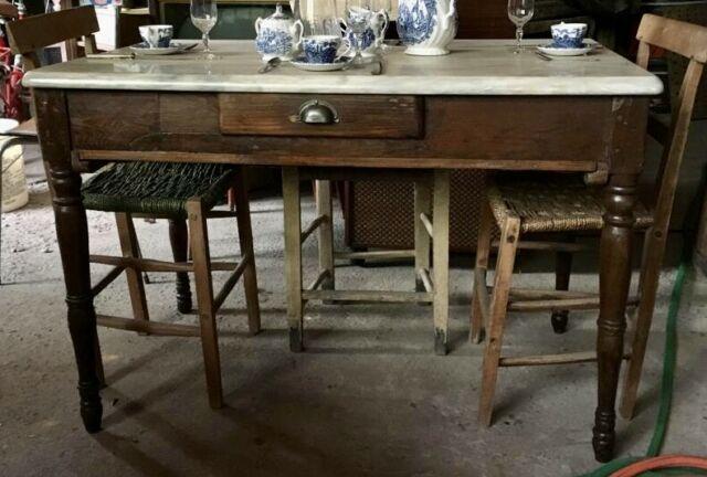Tavolo con cassetto vintage in legno e marmo restaurato