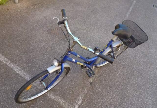 Bicicletta city bike con freno contropedale