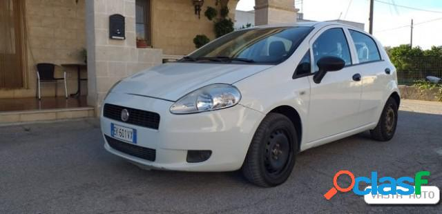 FIAT Grande Punto diesel in vendita a Torre Santa Susanna
