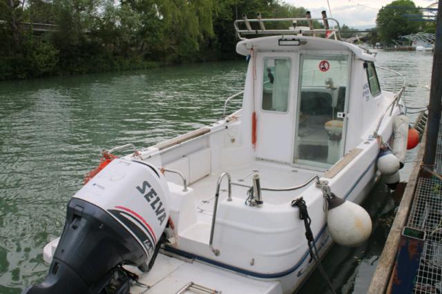 Barca a motore cabinata king fisher 720