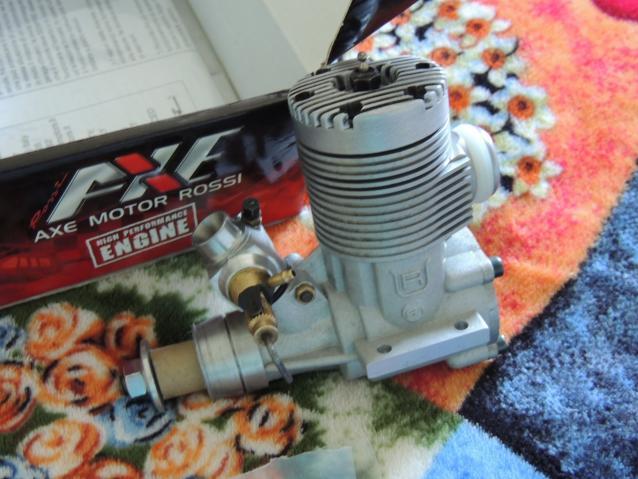 Motore a scoppio per aereo Rossi  cc.) scarico