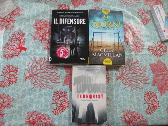 Nr. 3 libri di genere thriller di cui 1 in inglese (E 3