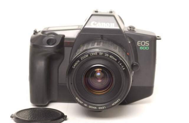 Canon EOS 600 con EF mm f.4-5,6