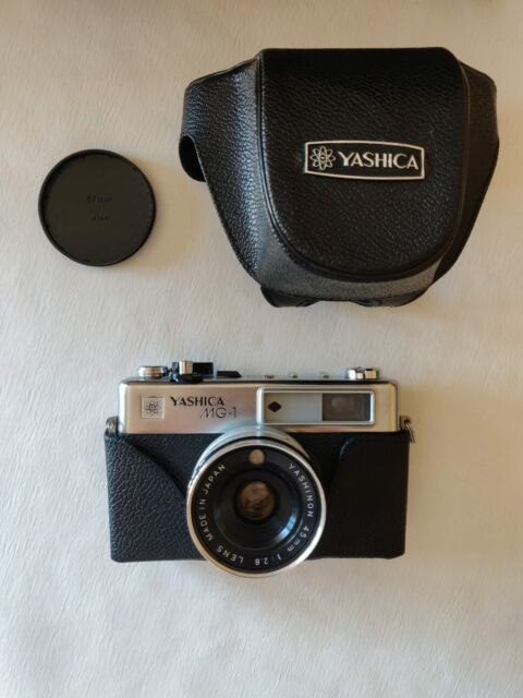 Macchina fotografica Yashica MG-1